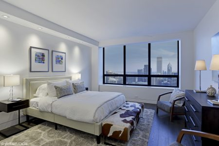19_180EPearsonSt_Unit5505_153_Bedroomsuitewithbeautifulcityviews_HiRes