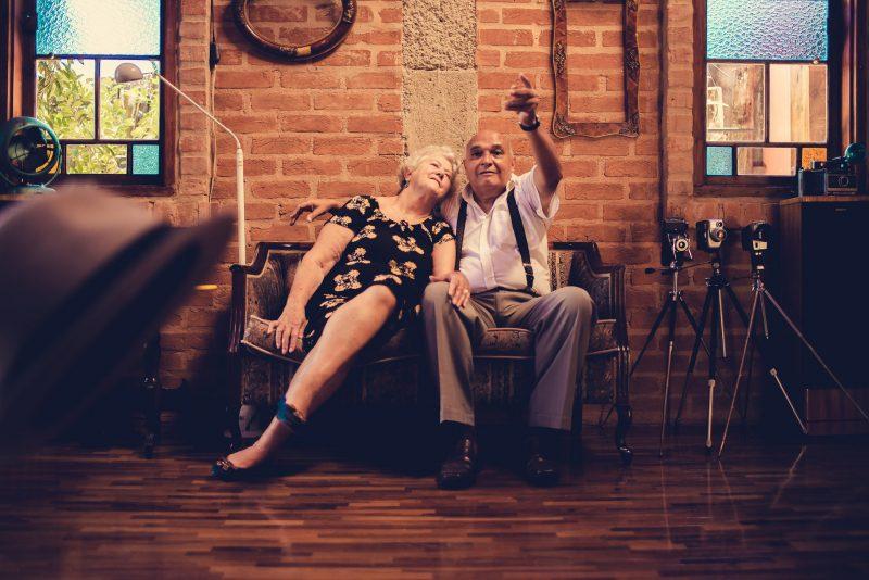 seniors-in-Chicago-buy-home