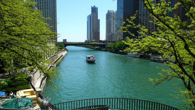 April-market-report-chicago-bg